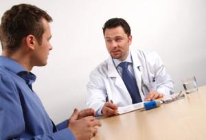 Ein ärztliches Fahrverbot kann gemäß Anlage 4 FeV nur durch bestimmte Mediziner ausgesprochen werden.