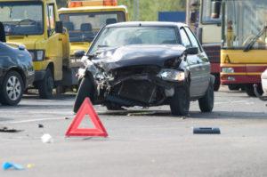 """Wer bei """"Rot"""" über die Ampel fährt, riskiert einen Unfall."""