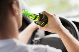Der Bußgeldkatalog sieht für Alkohol hohe Bußgelder vor.