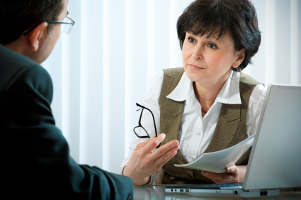 Bußgeld und Punkte abwenden: Ein Anwalt kann Ihnen dabei helfen, wenn Sie einen Einspruch einlegen.