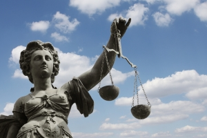 Mit Eintritt der materiellen Rechtskraft werden alle folgenden Einschätzungen auf eine Auslegung festgelegt.