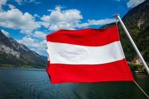 Österreich hat nicht nur ein Fahrverbot an Sonn- und Feiertagen, auch am Samstag stehen schwere Fahrzeuge still.