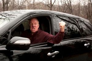 Sollten Sie den Führerschein im Alter abgeben?