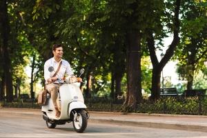 Ist es erlaubt, Mofa zu fahren trotz eines bestehenden Fahrverbots?