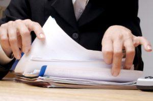 Die Sperrfristverkürzung erfolgt per formlosen Antrag. Unsere Vorlage hilft Ihnen bei der Formulierung.